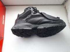 Дуже круті кросівки Nautilus з металевим носком-захистом